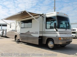 Used 2005  Winnebago Voyage 38J by Winnebago from PPL Motor Homes in Houston, TX