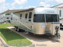 Used 2016  Airstream Classic 30 by Airstream from PPL Motor Homes in Houston, TX