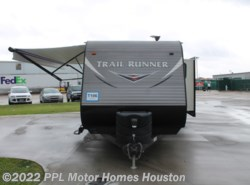 Used 2017  Heartland RV Trail Runner 25RL by Heartland RV from PPL Motor Homes in Houston, TX