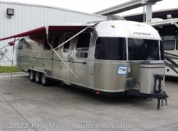 Used 2005  Airstream Classic Limited 34 DINETTE** by Airstream from PPL Motor Homes in Houston, TX