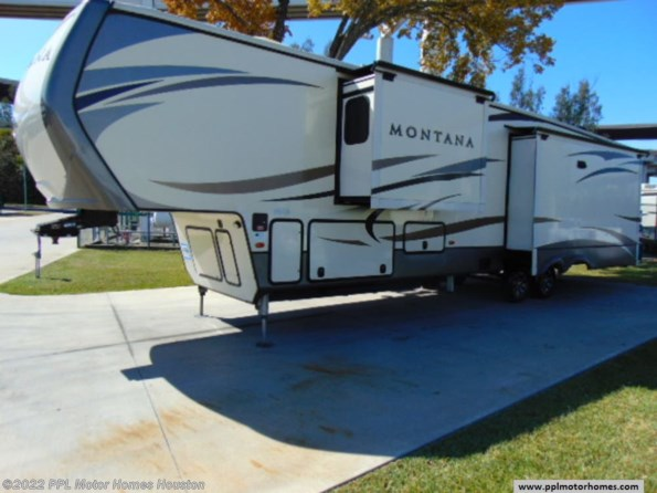 2017 Keystone Montana 3911FB available in Houston, TX