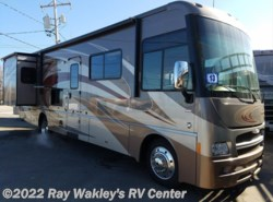 Used 2013  Itasca Suncruiser 32H by Itasca from Ray Wakley's RV Center in North East, PA