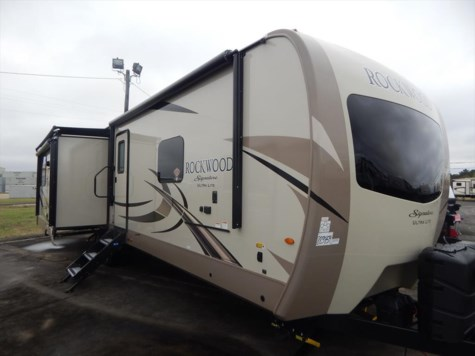 2018 Forest River Rockwood Signature Ultra Lite 8332BS