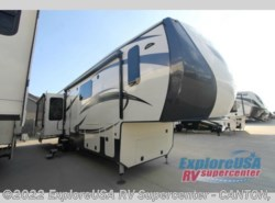 New 2017  CrossRoads Cameo CM37DB by CrossRoads from ExploreUSA RV Supercenter - CANTON, TX in Wills Point, TX