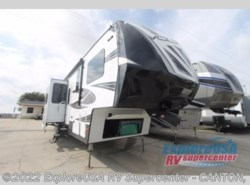 New 2017  Dutchmen Voltage V3895 by Dutchmen from ExploreUSA RV Supercenter - CANTON, TX in Wills Point, TX