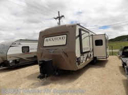 Used 2015  Forest River Rockwood Ultra Lite 2604WS by Forest River from Hanner RV Supercenter in Baird, TX