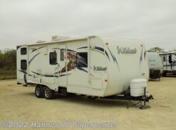 Used 2011  Forest River Wildcat eXtraLite 26BHS by Forest River from Hanner RV Supercenter in Baird, TX