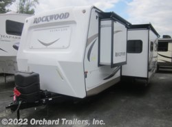 Used 2017  Forest River Rockwood Ultra Lite 2905WS by Forest River from Orchard Trailers, Inc. in Whately, MA