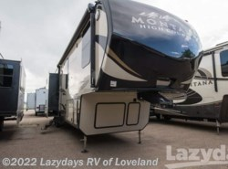 New 2018  Keystone Montana High Country 340BH by Keystone from Lazydays RV America in Loveland, CO