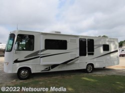 Used 2006  Four Winds  Hurricane 31H by Four Winds from Karolina Koaches Inc in Piedmont, SC