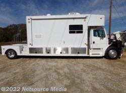 Used 2001  Freightliner  Toterhome FL70 by Freightliner from Karolina Koaches Inc in Piedmont, SC