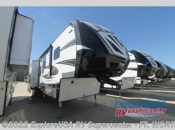 New 2017  Dutchmen Voltage V3995 by Dutchmen from ExploreUSA RV Supercenter - FT. WORTH, TX in Ft. Worth, TX