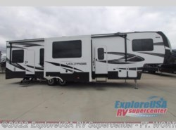 New 2017  Dutchmen Voltage V3655 by Dutchmen from ExploreUSA RV Supercenter - FT. WORTH, TX in Ft. Worth, TX