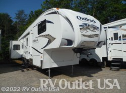 Used 2010  Keystone Outback Sydney Edition 321FRL by Keystone from RV Outlet USA in Ringgold, VA