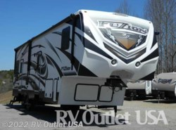 Used 2014  Keystone Fuzion 310 Monster