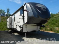New 2018  Forest River Wildwood Heritage Glen 368RLBHK by Forest River from RV Outlet USA in Ringgold, VA