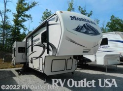 Used 2014  Keystone Montana 3610RL by Keystone from RV Outlet USA in Ringgold, VA