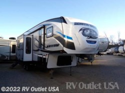 New 2018  Forest River Cherokee Arctic Wolf 305ML6 by Forest River from RV Outlet USA in Ringgold, VA