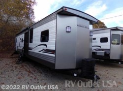 New 2018  Forest River Wildwood 426-2B LTD by Forest River from RV Outlet USA in Ringgold, VA