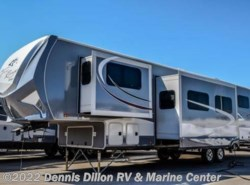 New 2017  Highland Ridge Light 319Rls