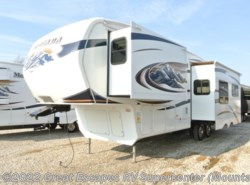 Used 2010  Keystone Montana 3075RL by Keystone from Great Escapes RV Center in Gassville, AR