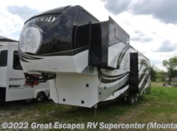 New 2017  Redwood Residential Vehicles Redwood 3401RL by Redwood Residential Vehicles from Great Escapes RV Center in Gassville, AR