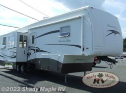 Used 2005  Newmar Kountry Star 348BLSK by Newmar from Shady Maple RV in East Earl, PA