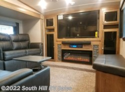 New 2019  Forest River Rockwood Signature Ultra Lite 8297S by Forest River from South Hill RV Sales in Puyallup, WA