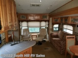 Used 2007 Carriage Cameo 34CK available in Puyallup, Washington