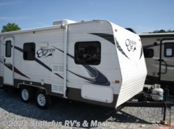 Used 2013  Palomino Canyon Cat 17FQ by Palomino from Stoltzfus RV's & Marine in West Chester, PA