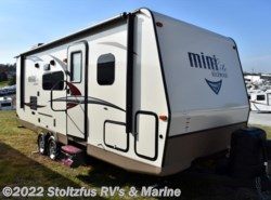 Used 2017  Forest River Rockwood 2504S by Forest River from Stoltzfus RV's & Marine in West Chester, PA