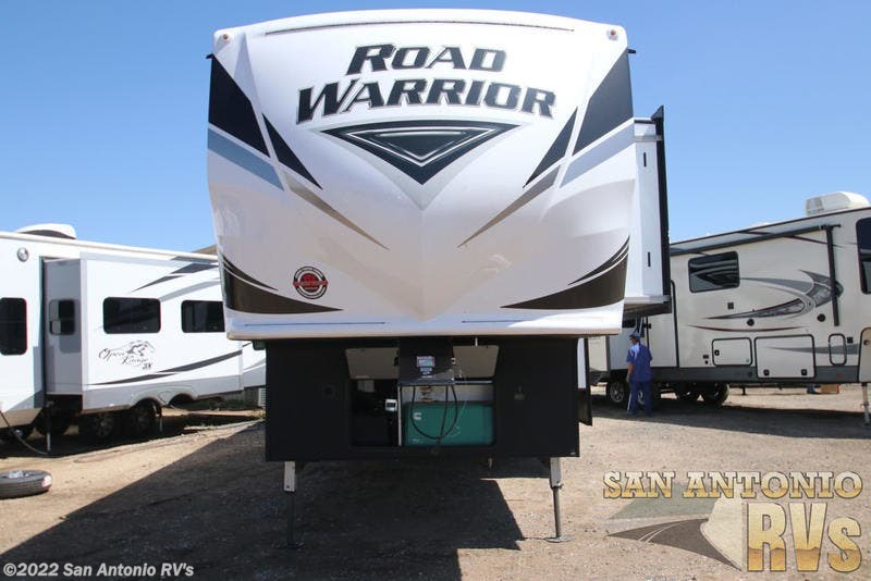 2019 Heartland RV Road Warrior 392RW for Sale in Seguin, TX 78155 | HL208