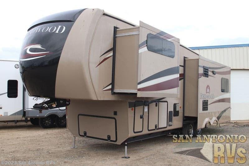 2015 Redwood RV RV Redwood 31SL for Sale in Seguin, TX 78155 | RY606