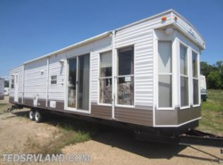 Used 2004  Breckenridge Xtendables 840FLS by Breckenridge from Ted's RV Land in Paynesville, MN