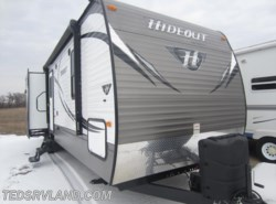 Used 2015 Keystone Hideout 32BHTS available in Paynesville, Minnesota