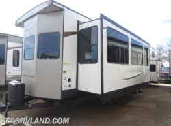 New 2018  Forest River Salem 4102BFK by Forest River from Ted's RV Land in Paynesville, MN