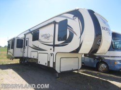 Used 2017  Jayco North Point 377RLBH by Jayco from Ted's RV Land in Paynesville, MN