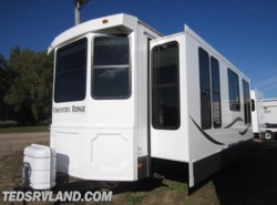 Used 2011  Heartland RV Country Ridge CR 40FKSS by Heartland RV from Ted's RV Land in Paynesville, MN