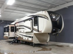 New 2017  Forest River Cedar Creek Champagne 38ERK by Forest River from TerryTown RV Superstore in Grand Rapids, MI