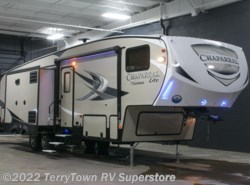 New 2017  Coachmen Chaparral Lite 29BHS by Coachmen from TerryTown RV Superstore in Grand Rapids, MI
