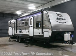 New 2017  Jayco Jay Flight 32BHDS by Jayco from TerryTown RV Superstore in Grand Rapids, MI