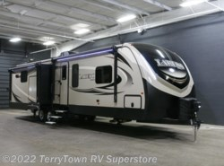 New 2018  Keystone Laredo 335MK by Keystone from TerryTown RV Superstore in Grand Rapids, MI