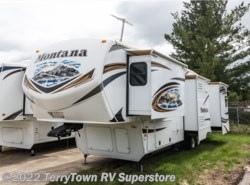 Used 2014  Keystone Montana 3400RL by Keystone from TerryTown RV Superstore in Grand Rapids, MI