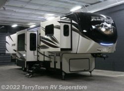 New 2018  Keystone Alpine 3661FL by Keystone from TerryTown RV Superstore in Grand Rapids, MI