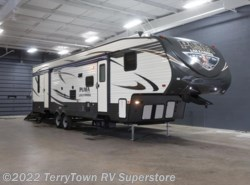 New 2016  Palomino Puma Unleashed 351THSS by Palomino from TerryTown RV Superstore in Grand Rapids, MI