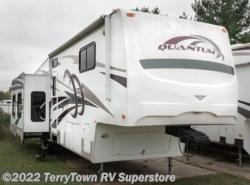 Used 2009  Fleetwood Quantum 355RLQS by Fleetwood from TerryTown RV Superstore in Grand Rapids, MI