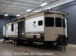 New 2018 Forest River Salem Villa Classic 395FKLTD available in Grand Rapids, Michigan