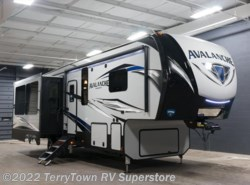 New 2018  Keystone Avalanche 300RE by Keystone from TerryTown RV Superstore in Grand Rapids, MI
