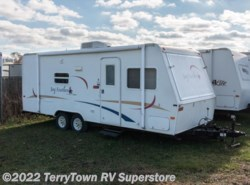 Used 2006  Jayco Jay Feather 23B by Jayco from TerryTown RV Superstore in Grand Rapids, MI