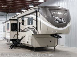 New 2019 Jayco Pinnacle 38REFS available in Grand Rapids, Michigan